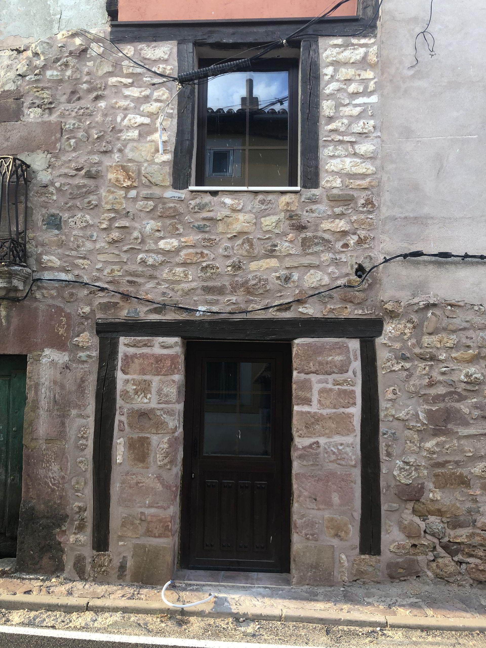 Puerta y ventana (Villasur)